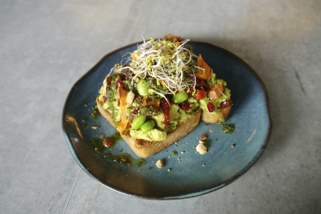 Avocadotoast in der Lab Kitchen I Veggie Love